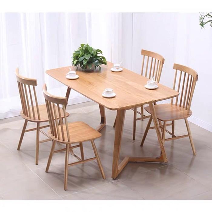 Khám phá bàn ăn gỗ sồi hiện đại qua 5 ưu điểm nổi trội-1