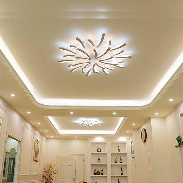 Sử dụng những bóng đèn tròn nhỏ âm trần nhà.
